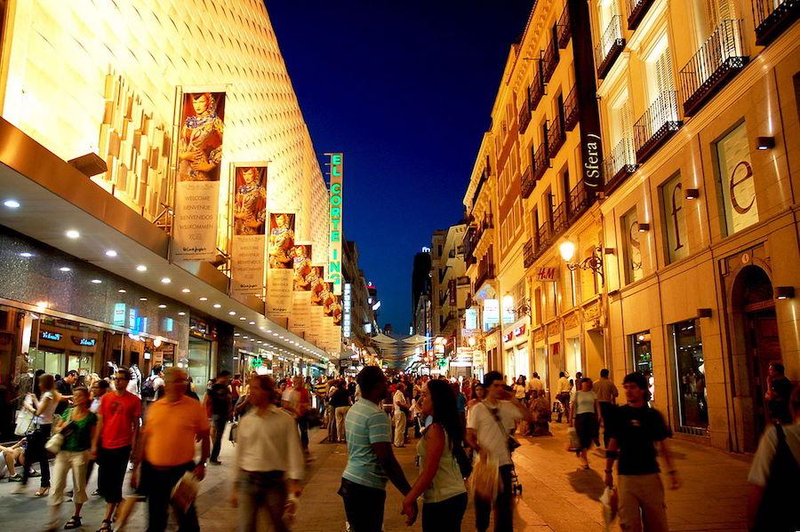 Portal de l'Àngel de Barcelona y Preciados de Madrid, las calles comerciales más caras de España