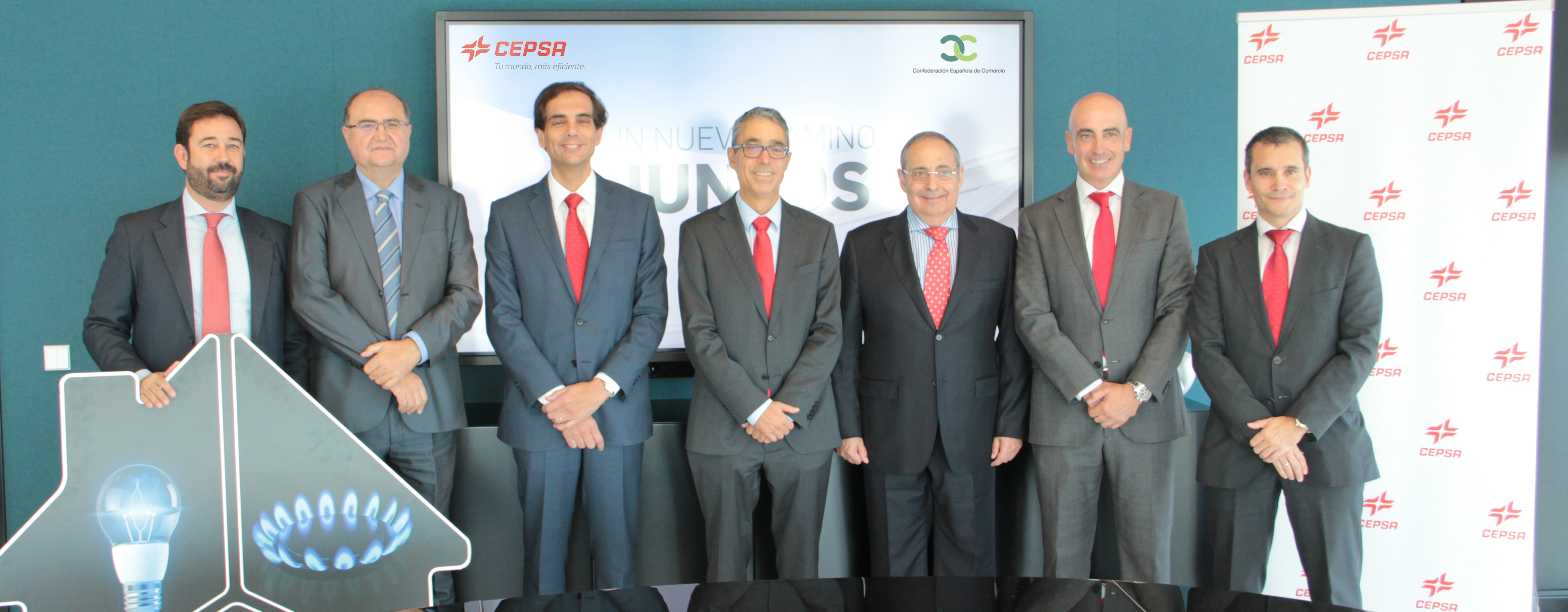 La CEC firma un acuerdo con CEPSA para dar a conocer su nueva oferta de Luz y Gas para Negocios