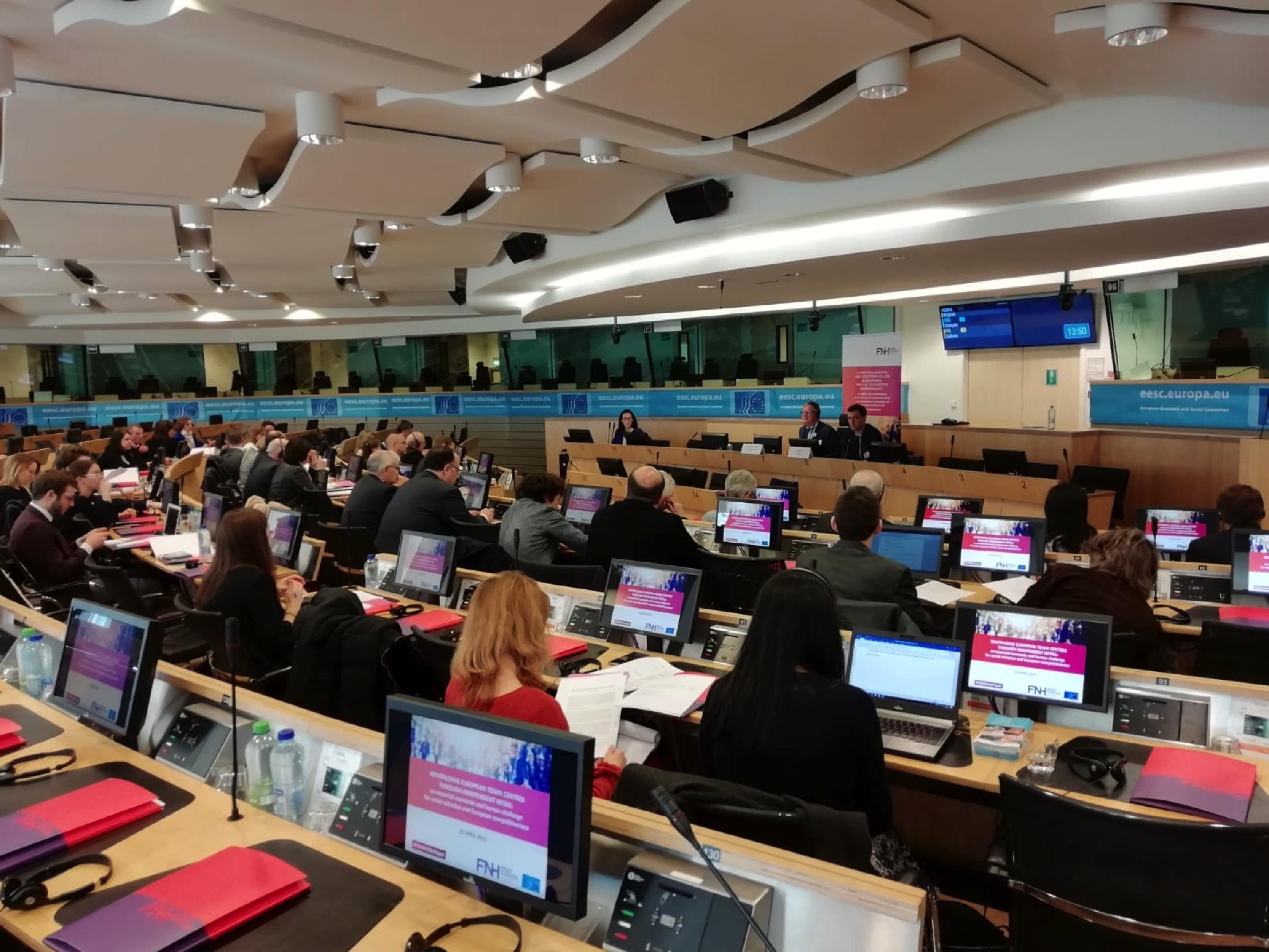 La CEC participa en la creación del Libro Blanco Europeo del Comercio